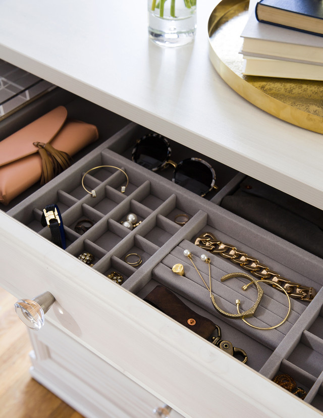 A Laren Closet Makeover For Sunset Magazine S Editor In
