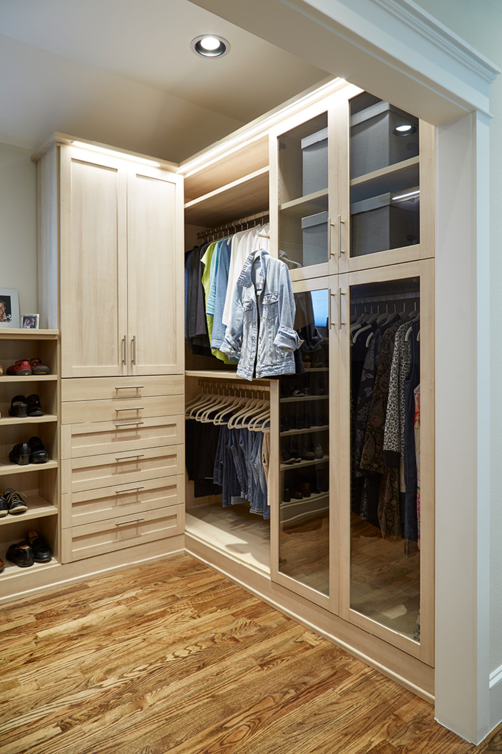 Gl Fronted Cabinets Protect Clothes From Dust While Extendable Valet Rods Make It Easy To Pull Together Outfits Featured Products Joy Mangano Ivory