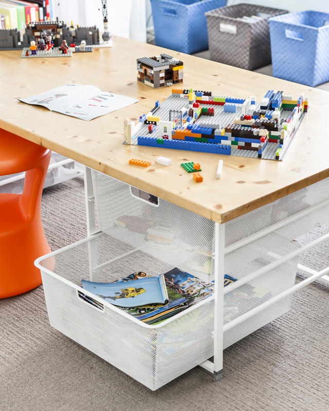 Exceptionnel A Designated Building Station Made Up Of Elfa Drawers And A Solid Top Gives  Little Builders A Solid Surface Plus Great Storage.
