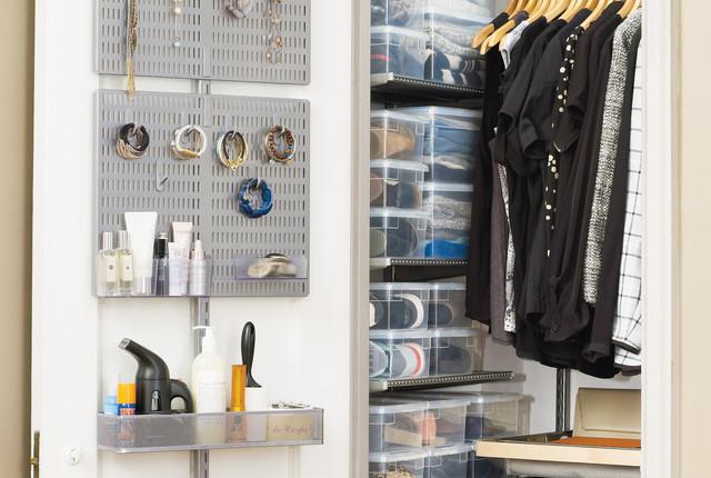 Stupendous Closet Organizers A Mini Master Entry Closet Are Download Free Architecture Designs Jebrpmadebymaigaardcom