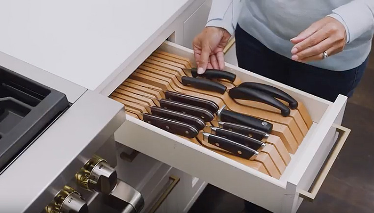 How To Organize A Knife Drawer